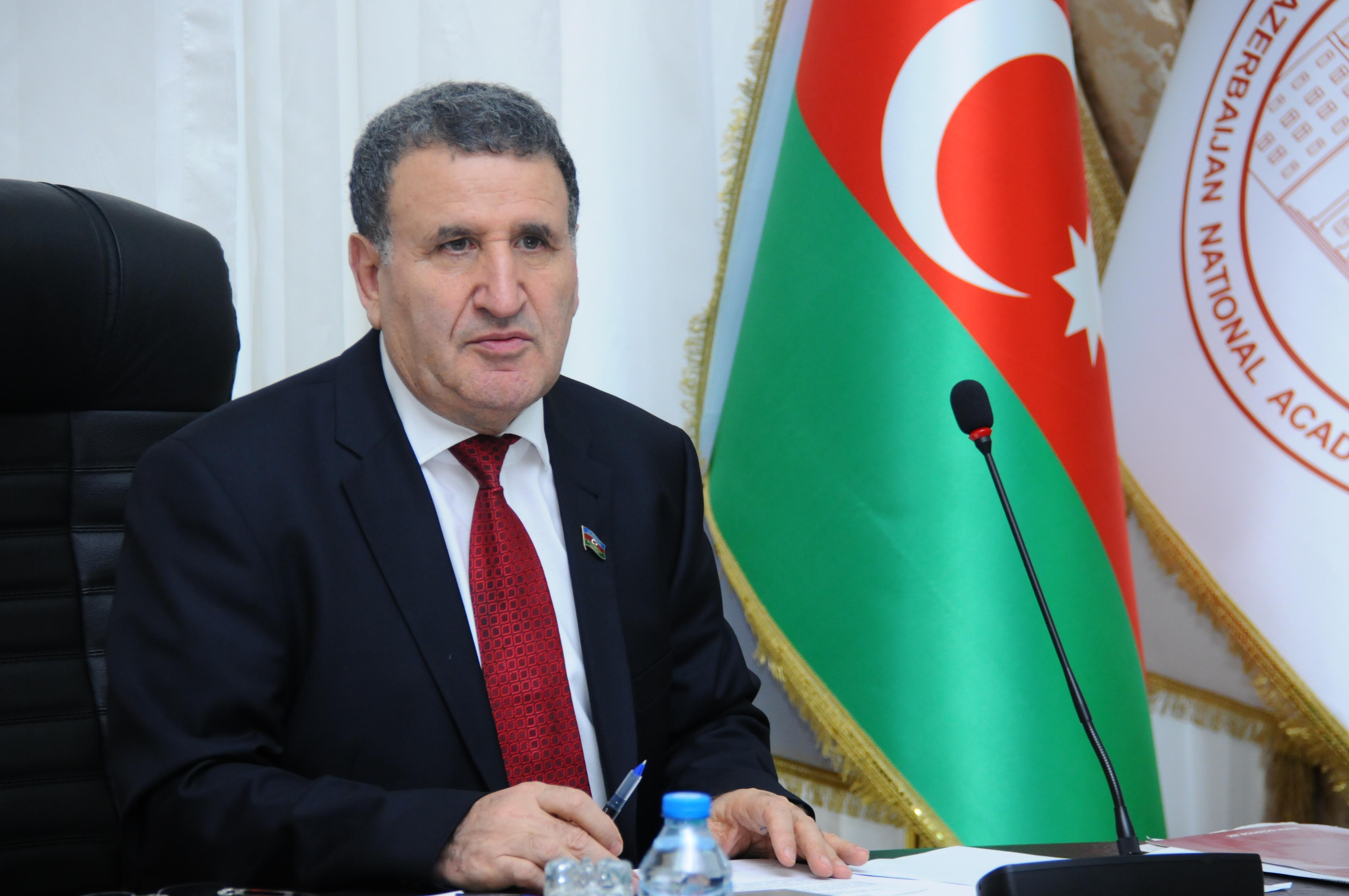 """Akademik İsa Həbibbəyli: """"AMEA işçiləri üçün növbəli iş rejiminin tətbiqinə başlanılıb"""""""