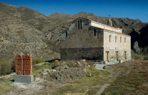 Erməni vandalizminin qurbanı olan abidələrimiz – Ağoğlan monastırı