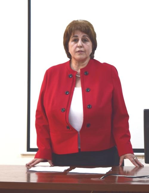 AMEA-nın Botanika İnstitutunun yeni direktoru kollektivə təqdim edilib