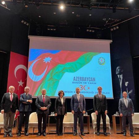 AMEA-nın müxbir üzvü Musa Qasımlı Türkiyədə keçirilən konfransda iştirak edib