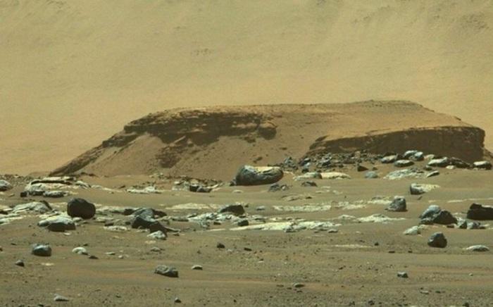 NASA Marsda həyat izlərinə dair foto paylaşıb