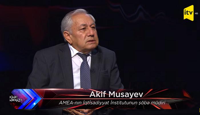 AMEA-nın müxbir üzvü Qarabağın iqtisadiyyatının yenidən qurulması yollarından danışıb