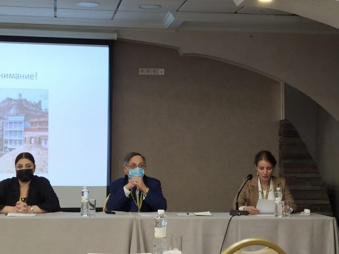 Şərqşünas alimlər Kiyevdə keçirilən forumda iştirak edirlər
