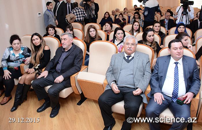 """""""Azərbaycan Milli Ensiklopediyası"""" Elmi Mərkəzinin əməkdaşlarına fəxri adlar təqdim olunub"""