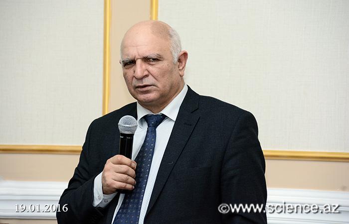 AMEA prezidenti elmi-tədqiqat proqramlarının rəhbərləri ilə görüşüb