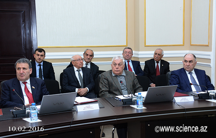 AMEA İctimai Elmlər Bölməsinin 2015-ci ildəki elmi və elmi-təşkilati fəaliyyətinə dair hesabatı dinlənilib