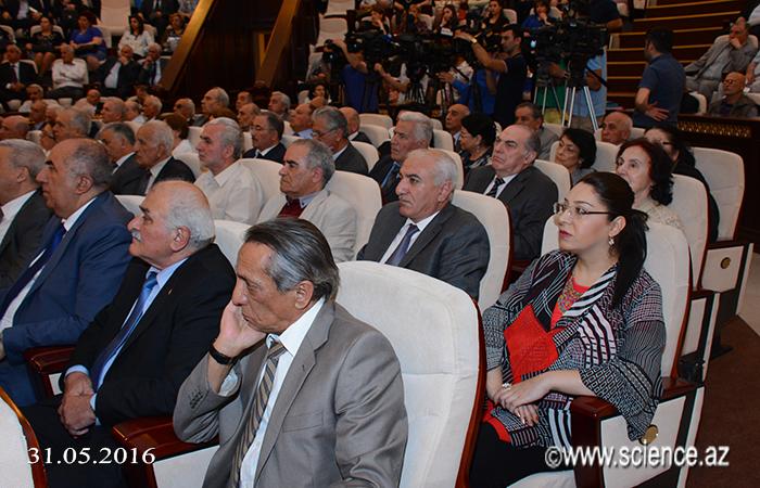 AMEA-da akademik Vəli Axundovun 100 illik yubileyi təntənəli şəkildə qeyd olunub