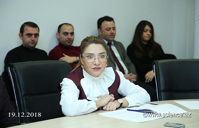"""""""Elmin populyarlaşdırılmasında KİV-in rolu"""" mövzusunda """"dəyirmi masa"""" keçirilib"""