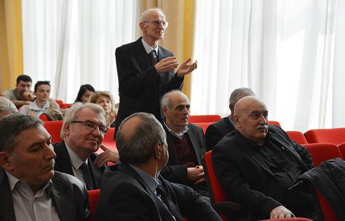 Fizika İnstitutunda beynəlxalq seminar təşkil edilib