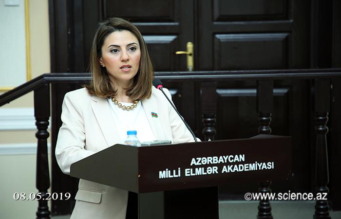 """AMEA-da """"Heydər Əliyev: zaman və müasirlik"""" mövzusunda elmi sessiya keçirilib"""