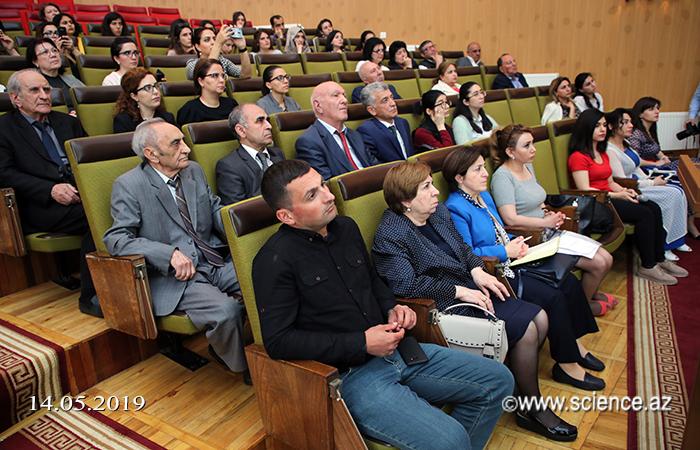 """""""Nüfuzlu elmi jurnallara məqalə hazırlamağın yolları"""" mövzusunda seminar keçirilib"""