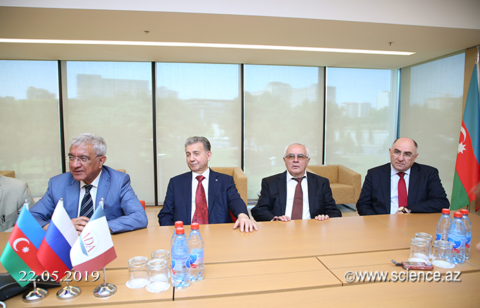 ADA University will exchange staff and experience with the Russian Academy of Sciences