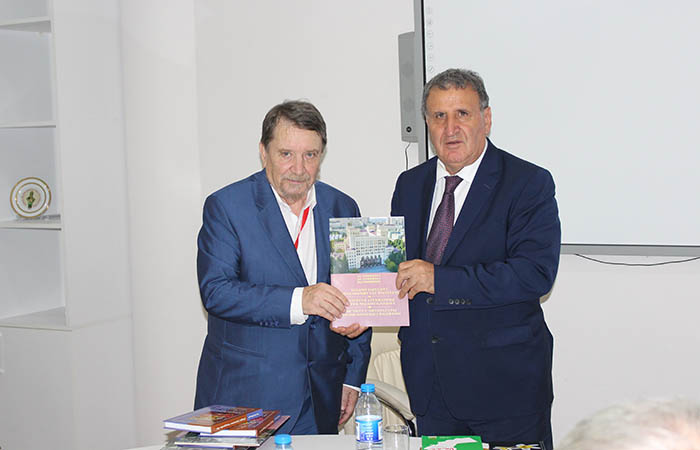 ANAS Institute of Literature held a meeting with foreign writers