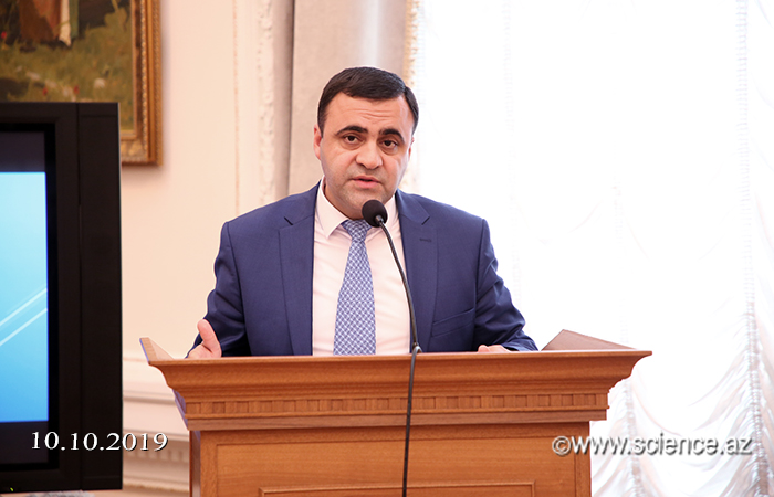 Nizami Gəncəvinin özbək dilinə tərcümə olunmuş