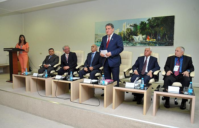 """III """"Beynəlxalq dərgi Qara dəniz sosial elmlər simpoziumu"""" işə başlayıb"""