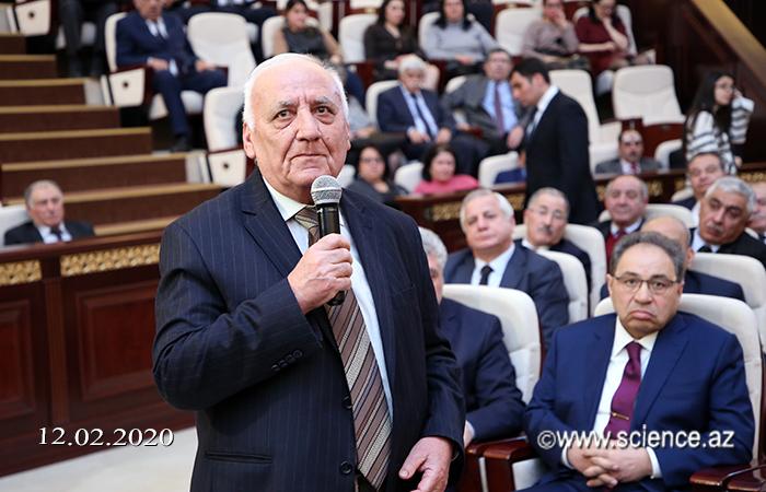 AMEA-da İqtisadiyyat naziri Mikayıl Cabbarovla görüş keçirilib