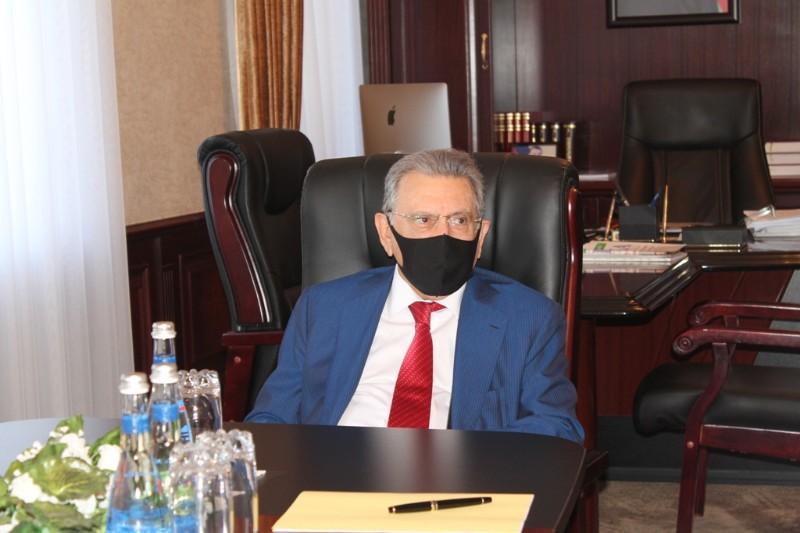 Президент НАНА встретился с послом Франции в нашей стране